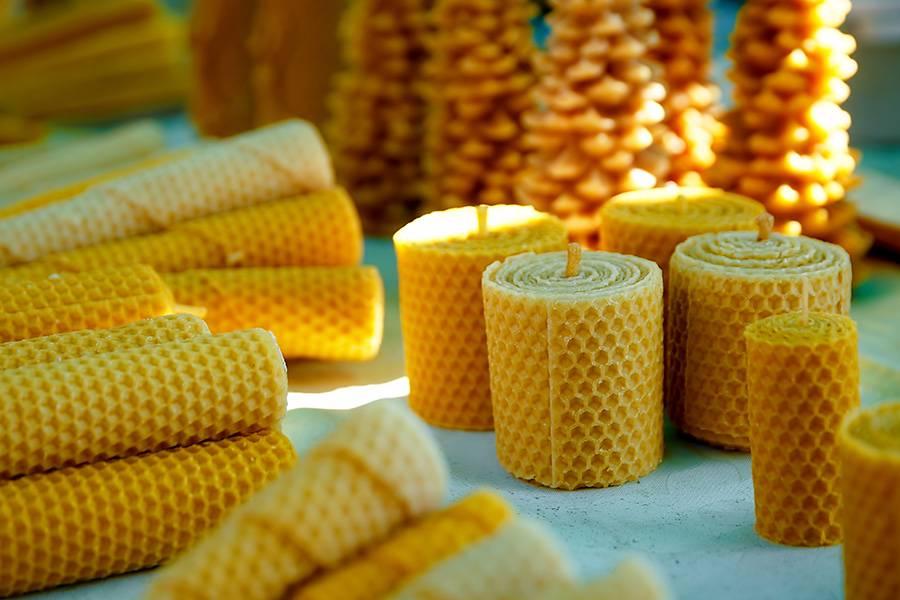 Bienenwachskerzen als Gastgeschenk zur Hochzeit