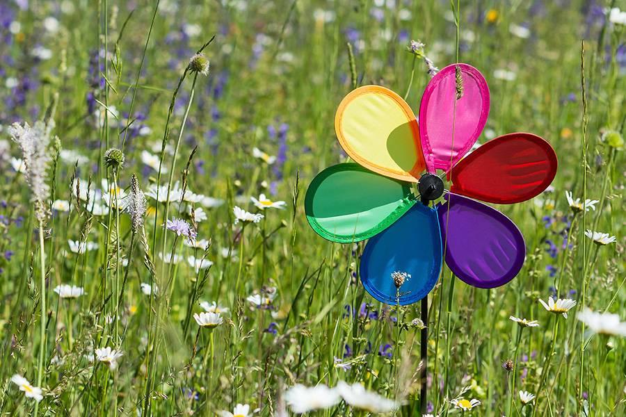 Windräder als nachhaltige Alternative zu Luftballons